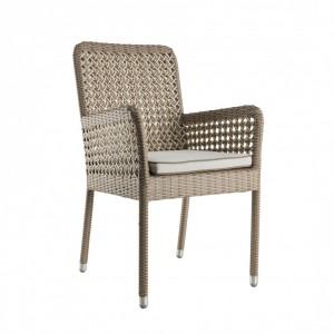 Chaise avec accoudoirs en résine Antibes + coussin, KOK Maison