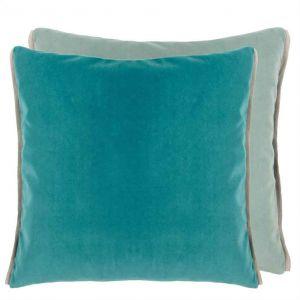 Coussin carré en velours Varese Ocean Designers Guild bleu et vert