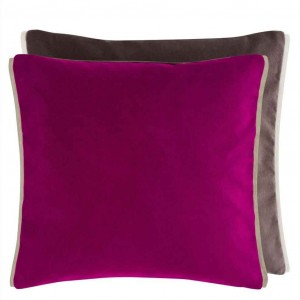 Coussin carré en velours violet Varese Berry/Moleskin Designers Guild