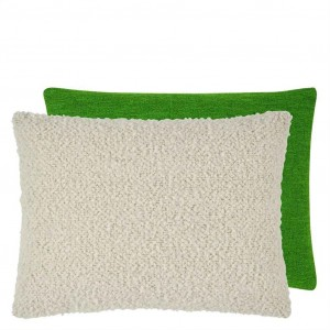 Coussin rectangulaire bouclé vert/écru Fontenoy Chalk Designers Guild