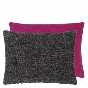 Coussin rectangulaire bouclé violet Fontenoy Charcoal Designers Guild