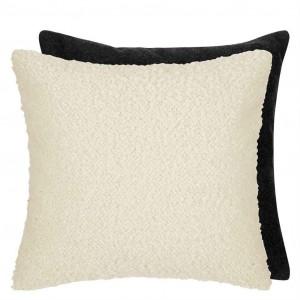 Coussin Cormo Chalk en tissu bouclé blanc/drap de laine Designers Guild